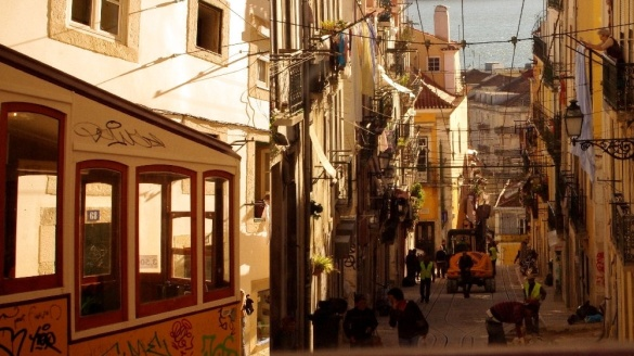 Windy w Lizbonie. Lizbona windy. Elevador da Bica Lisbon
