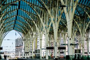 Dworzec Oriente w Lizbonie - dojazd, architektura, zwiedzanie fotografia, fotografie, foto, zdjęcia