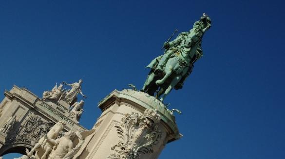Estátua Equestre de Dom José I na Praça do Comércio w Lizbonie