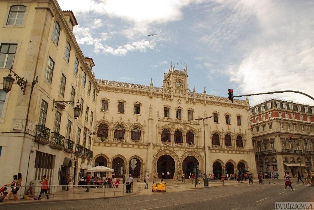 Dworzec Stacja Rossio w Lizbonie fasada styl neomanueliński