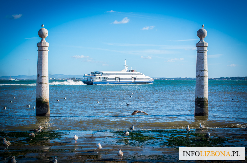 Promy i Barki Lizbona 2021 Rozkład Jazdy Atrakcje Skąd Odpływają dokąd płyną bilety cennik bilet cena co zobaczyć jak przepłynąć Casilhas Barreiro Montijo Seixal Polski Przewodnik