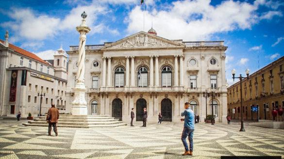 Lizbona pogoda czerwiec w czerwcu temperatury deszcze opady opis pogody przewodnik po Lizbonie Portugalii pilot wycieczki zwiedzanie klimat godziny słoneczne temperatura wody