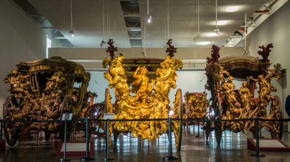 Narodowe Muzeum Powozów w Lizbonie Belem Przewodnik po Lizbonie Zwiedzanie Lizbony Lizbona Lisbona Polski Lokalny Przewodnik Muzeum Karet Museu Nacional dos Coches Foto Zdjęcia