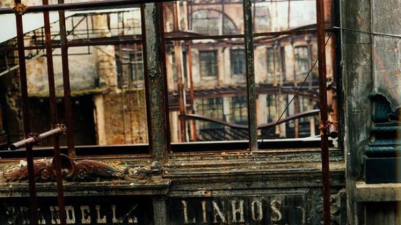 Fire Chiado Lisbon Lizbona pożar Portugalia