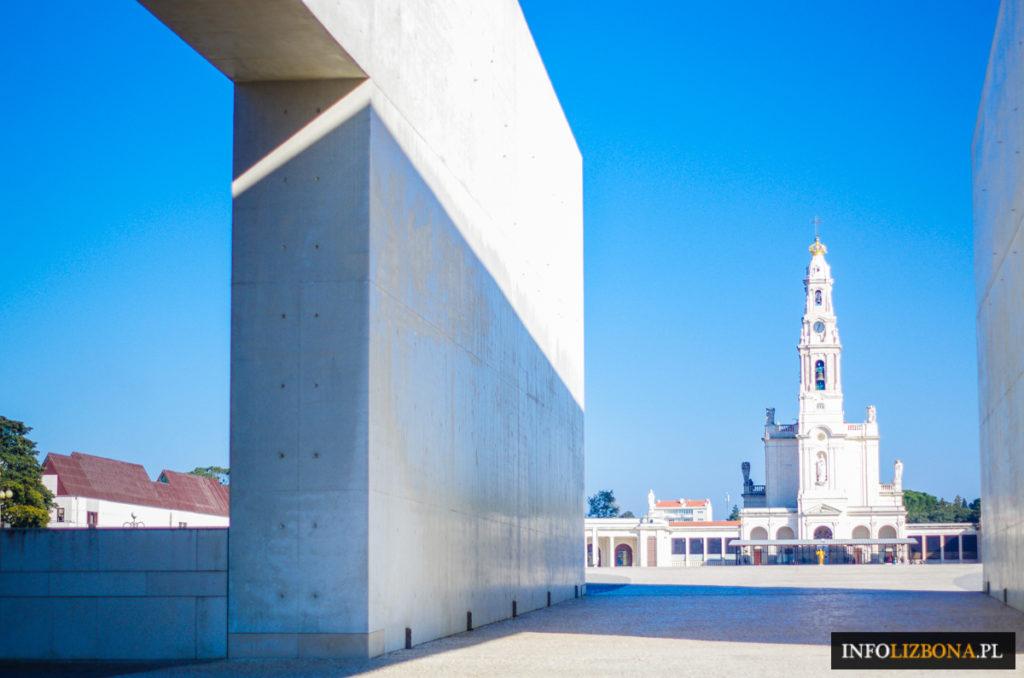 Fatima Polski przewodnik i pilot po Fatimie w Portugalii 2017 opis Sanktuarium w Fatimie lokalny przewodnik (2 z 1)