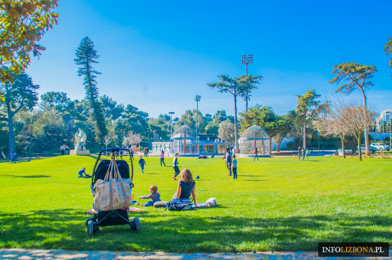 Lizbona dla dzieci i rodzin zwiedzanie Lizbony polecane plaże atrakcje i zabytki dzieci rodzina rodzinne zwiedzanie z przewodnikiem wycieczki dziecko co warto zobaczyć