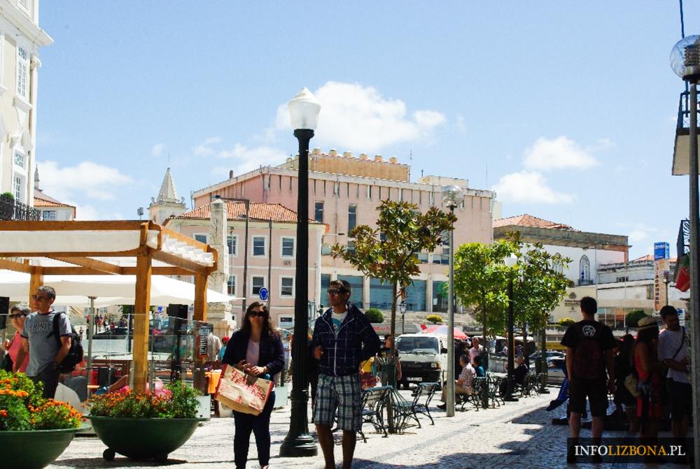 Aveiro Zwiedzanie Portugalia Zabytki i Atrakcje Przewodnik Co Warto Zobaczyć Costa Nova Portugal Kolorowe Domki w Paski Plaże Kosta Nowa w Portugalii Aweiro Wycieczki
