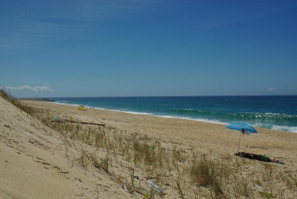Nazare Portugalia w Portugalii Atrakcje Fale Plaża Plaże Polski Przewodnik Dojazd Lokalizacja Co zobaczyć Zabytki Hotele Atrakcje Aquapark Opis Informacje Wycieczki