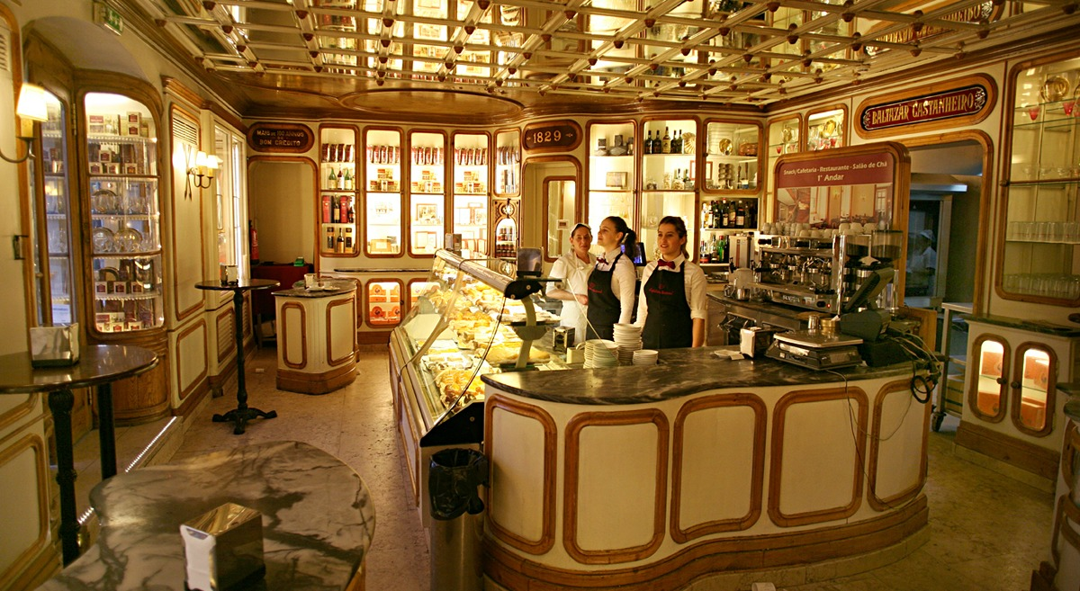 Lizbona Kawiarnie Najpiękniejsze kawiarnie w Lizbonie Przewodnik Pastelarie TOP 10