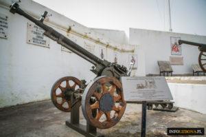 Lizbona Muzeum Kombatantów w Lizbonie Przewodnik Polecane Muzea Atrakcje i zabytki turystyczne Monumento aos Combatentes do Ultramar Museu do Combatente