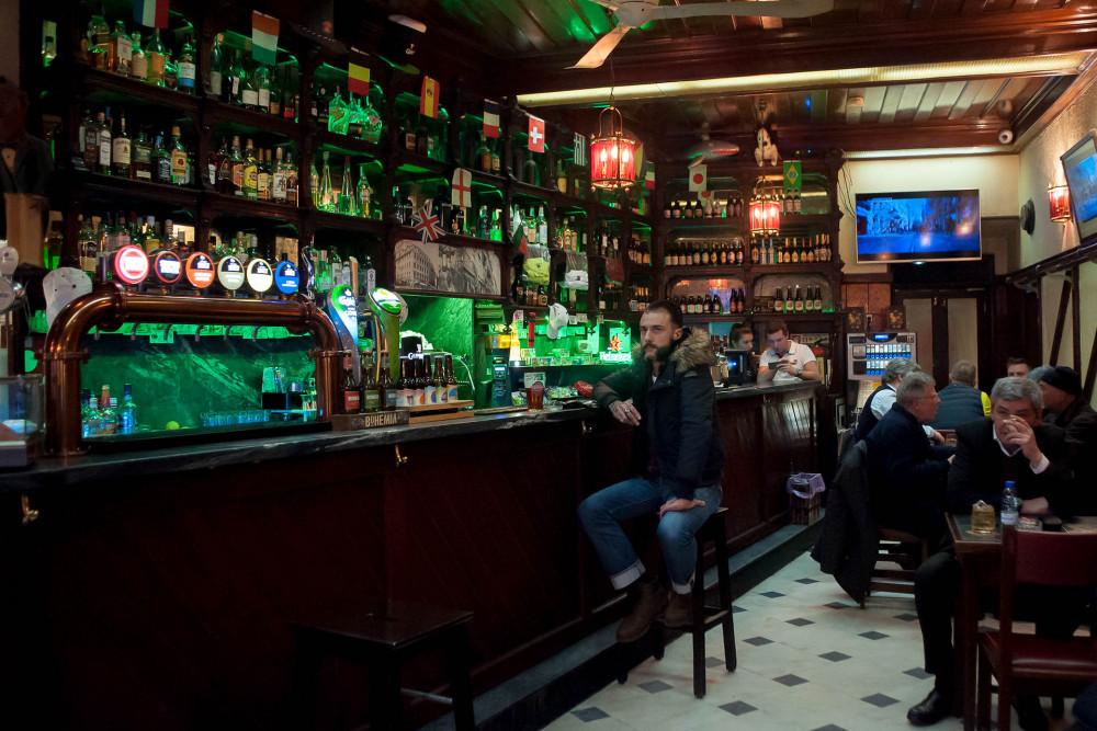 Lizbona Najlepsze Bary Puby Sportowe w Lizbonie Bar Sporto Pub Miejsce do oglądanie meczów Piłka Nożna Przewodnik po Lizbonie Lisbona Lisbon Footbal