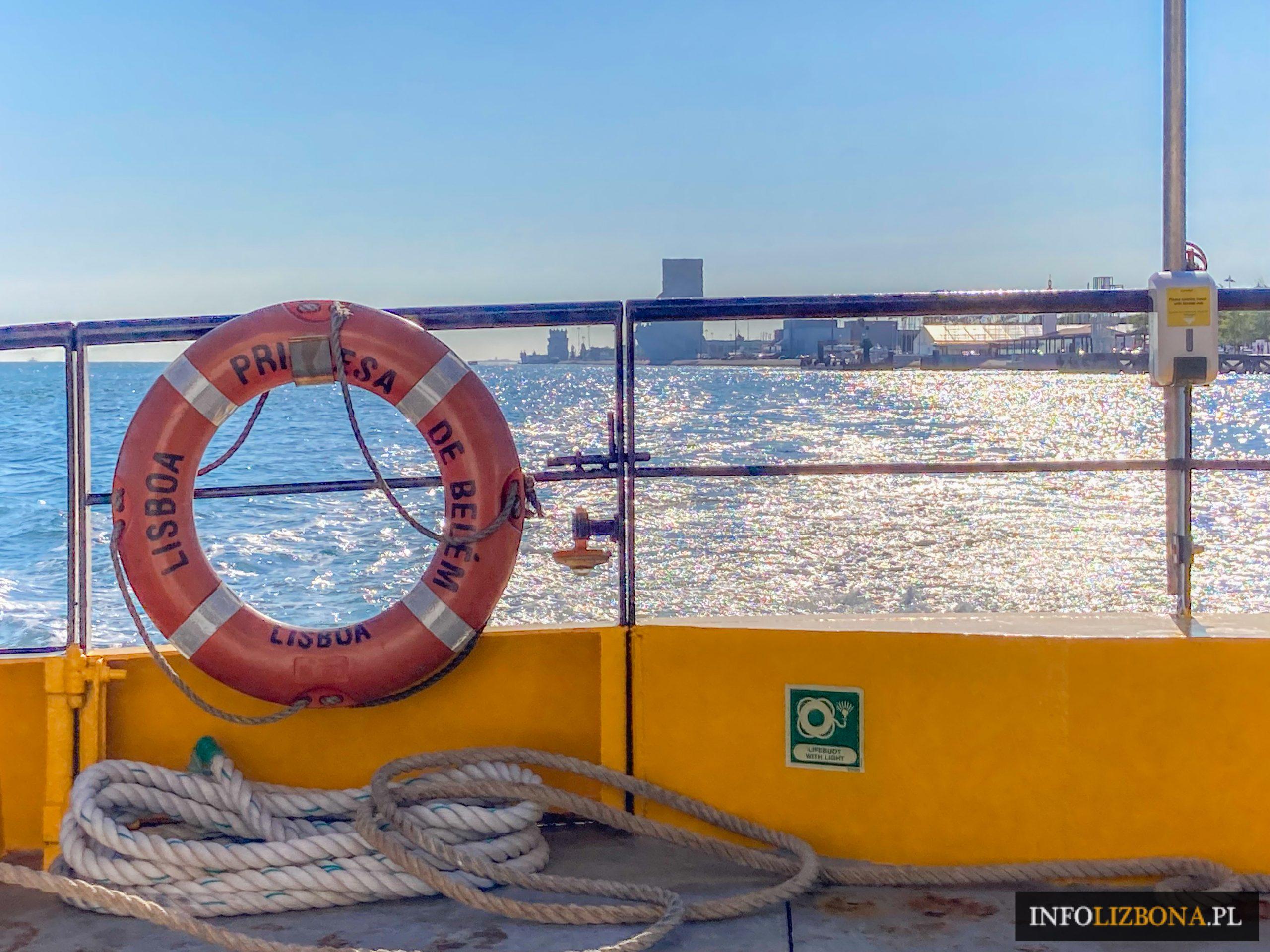 lizbona rejsy po tagu rejs po rzece Tejo Lisboa Lisbona Portugalia ceny opinie bilety online opis przystanie skąd oferty porównanie bilety jachty w Lizbonie łodzie porta